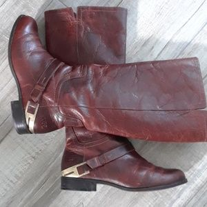 UGG..AWESOME LEATHER BOOTS..SIZE 8